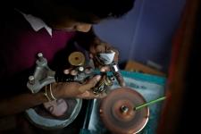 Gemstone cutting, Sri Lanka
